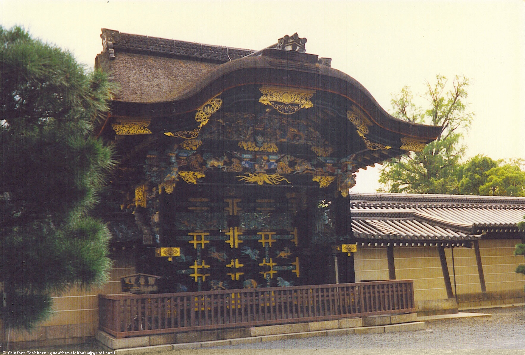 Temples, Shrines, and Palaces in 日本国 (Japan)